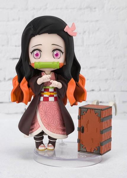 """Zur Anime-Serie """"Demon Slayer: Kimetsu no Yaiba"""" kommt diese detailreiche Actionfigur aus Tamashii Nations """"Figuarts mini""""-Reihe. Sie ist ca. 9 cm groß und wird inkl. Zubehör in einer Fensterbox geliefert."""