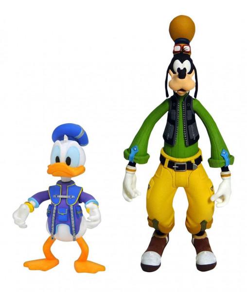 Zum Videospiel 'Kingdom Hearts 3' kommt dieser Pack mit 2 detailreichen Actionfiguren.Jede Figur ist zwischen 10 und 18 cm groß. Sie werden mit Zubehör in einer Blisterverpackung geliefert.