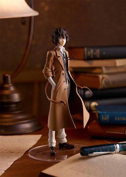 Zum Anime ´Bungo Stray Dogs´ kommt diese detailreiche PVC Statue. Sie ist ca. 18 cm groß und wird mit Base in einer Fensterbox geliefert.