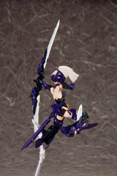 Aus Kotobukiyas neuer ´Megami Device´ Serie kommt dieses Model Kit von Asra Archer.<br /><br />Zusammengebaut ist die Figur ca. 14 cm gross. Sie verfügt über massig Artikulationspunkte und Austauschteile. So kann die Figur in verschiedenen Posen und mit d