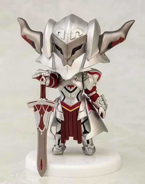 Zur japanischen Light-Novel Serie ´Fate/Apocrypha´ kommt diese detailreiche PVC Mini Statue. Sie ist ca. 7 cm groß und wird in einer Fensterbox geliefert.