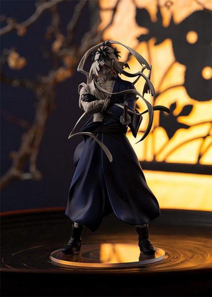 """Zum Anime """"Rurouni Kenshin"""" kommt diese detailreiche PVC Statue. Sie ist ca. 19 cm groß und wird mit Base in einer Fensterbox geliefert."""