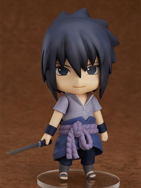 Aus Good Smile´s ´Nendoroid´- Reihe kommt diese detailreiche vollbewegliche Actionfigur von Sasuke Uchiha aus dem Anime ´Naruto Shippuden´. Sie ist ca. 10 cm groß und wird mit Base und jeder Menge Zubehör geliefert.