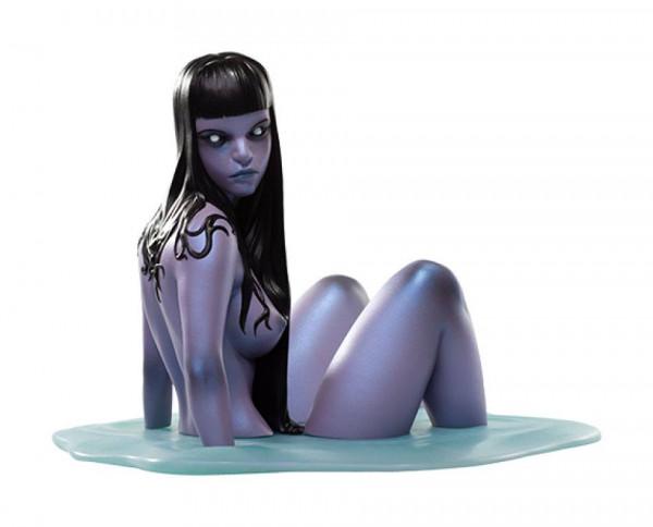"""Aus Level52 Studios """"Cursed & Cruel"""" Reihe kommt diese detailreiche Statue aus hochwertigem Resin. Sie ist ca. 13 cm groß und wird in einer bedruckten Box geliefert."""