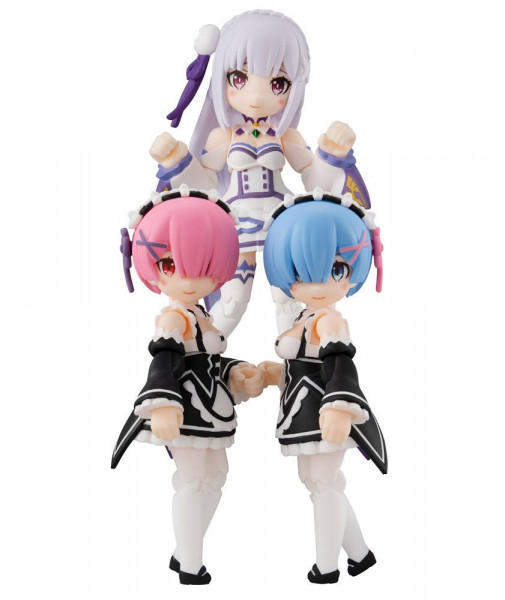 """Aus MegaHouse' """"Desktop Army""""- Reihe kommt dieses Sortiment mit 3 detailreichen Actionfiguren aus dem Anime """"Re: Zero"""". Die aus PVC hergestellten Figuren sind ca. 8 cm groß und werden mit weiterem Zubehör geliefert."""